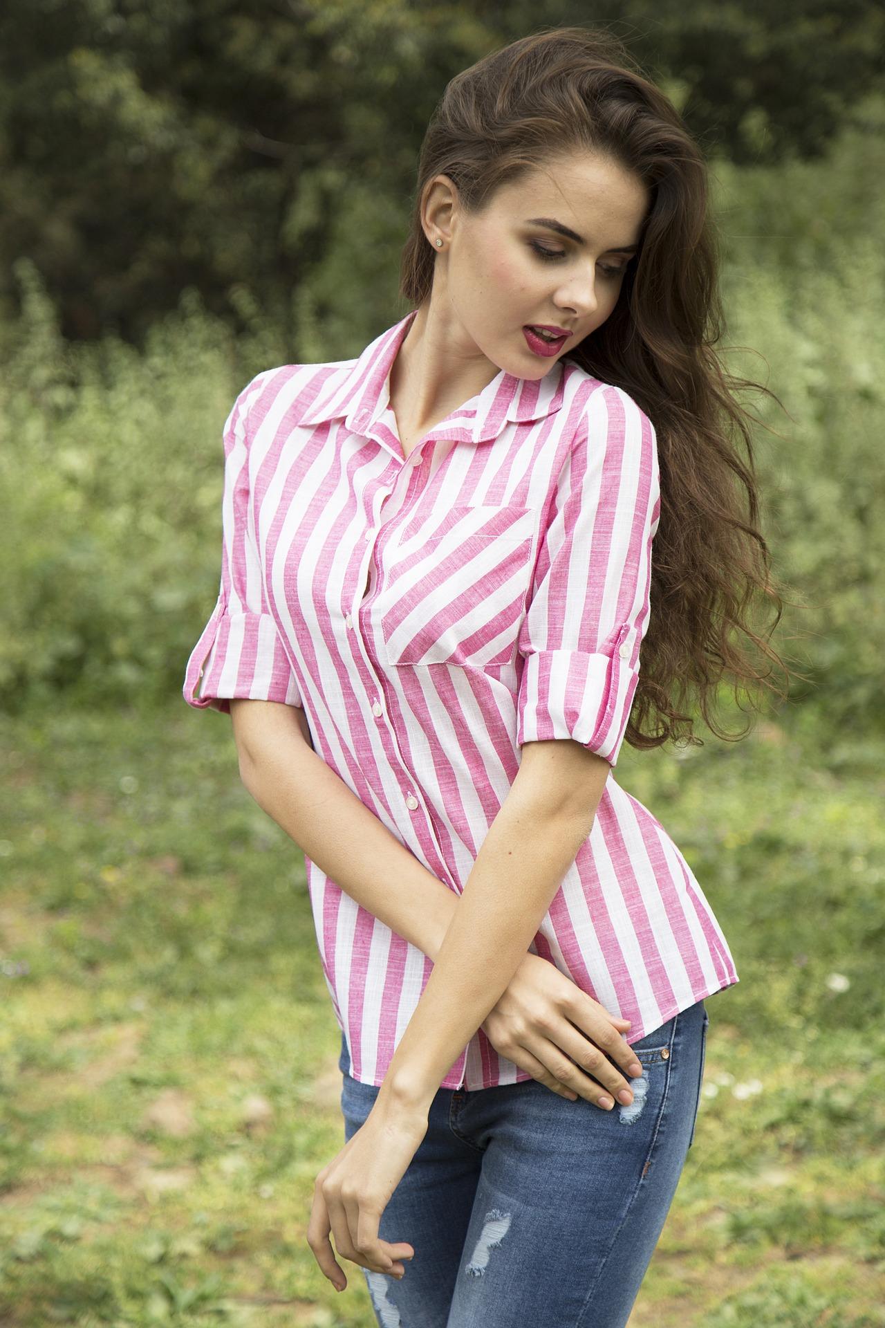 La chemise chez les femmes.
